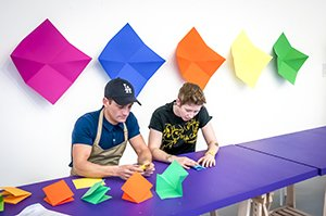 Philip_Olivier_demonstrates_his_Origami_technique__15th__March_2016_1[1]